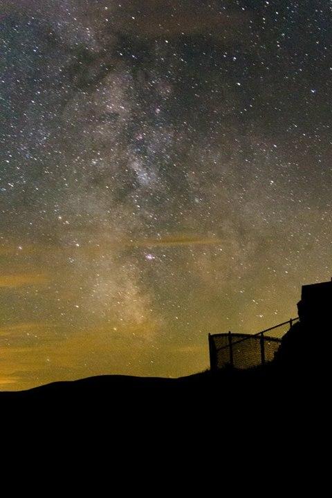 astrophotography palouse falls | Desiree Prakash Studio