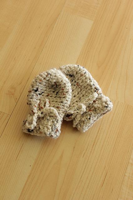 crochet mittens | Desiree Prakash Studio