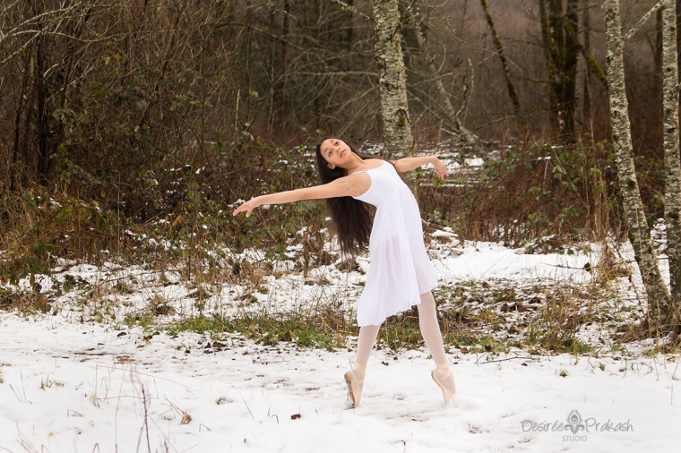 ballerina in snow |Desiree Prakash Studio